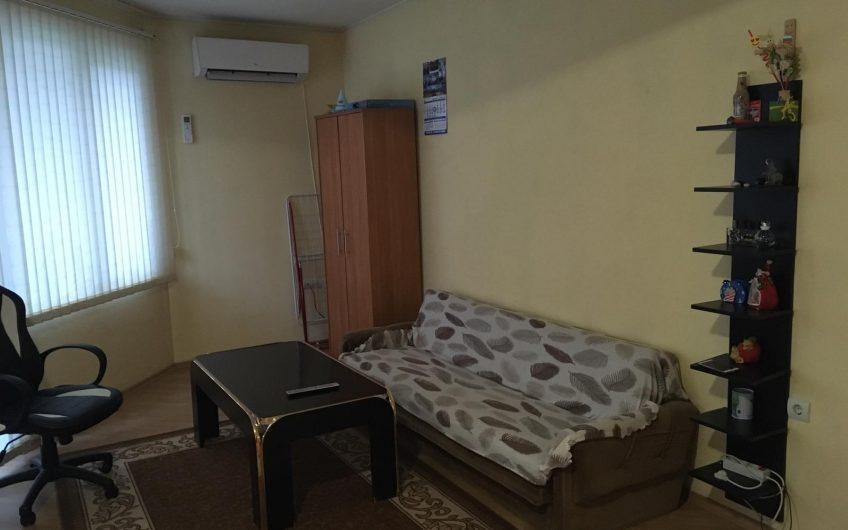 ДВУСТАЕН АПАРТАМЕНТ,разположен в кв. Училищни, град Хасково