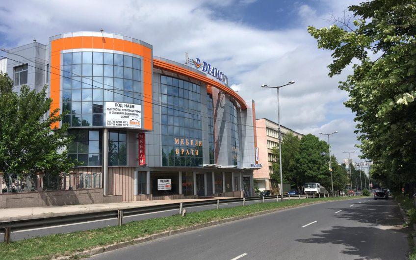 ТЪРГОВСКИ ОБЕКТ/ МАГАЗИН/ СКЛАД под наем,  в източната част на град Хасково