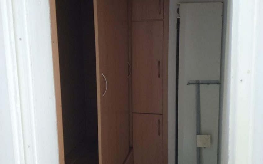 ТРИСТАЕН АПАРТАМЕНТ С ГАРАЖ, разположен в кв. Любен Каравелов, град Хасково