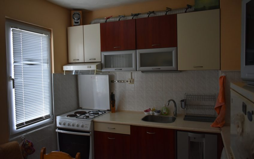 ДВУСТАЕН АПАРТАМЕНТ, разположен в кв. Бадема, град Хасково